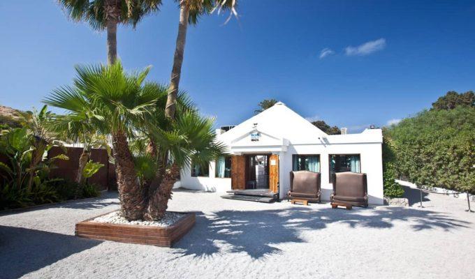 Blue-Marlin-Ibiza-entrance-daytime