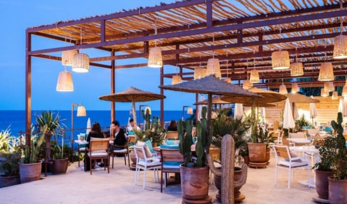 atzaro-beach-restaurant-ibiza-night-705x470