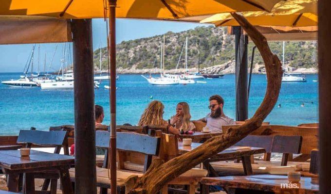 jockey-club-salinas-ibiza-beach-restaurant-2
